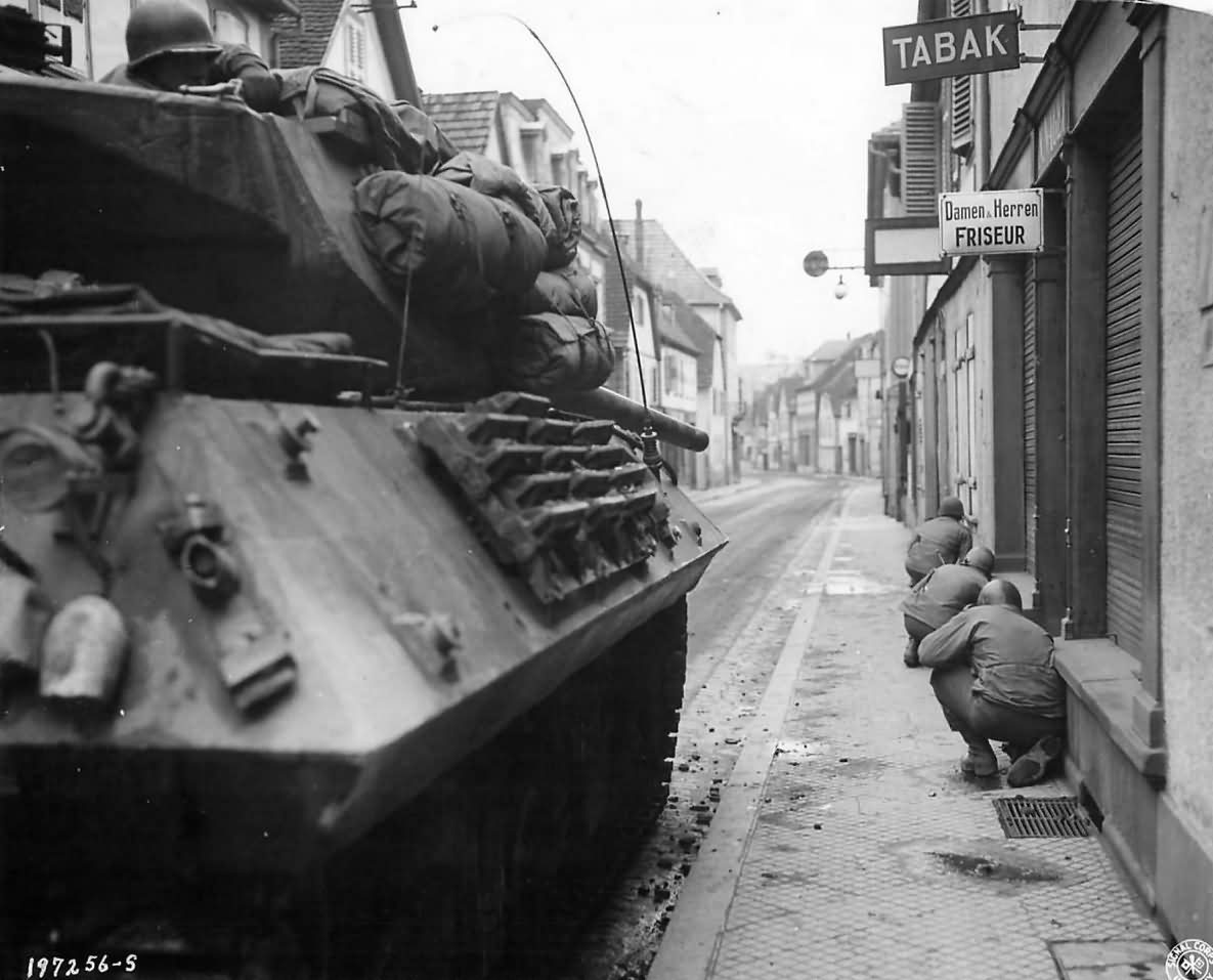 157th_Infantry_Regiment_Supported_By_M10_Tank_Destroyers_Of_A_Company_645th_Td_Bn_Under_Fire_In_Town_Of_Niederbronn_France