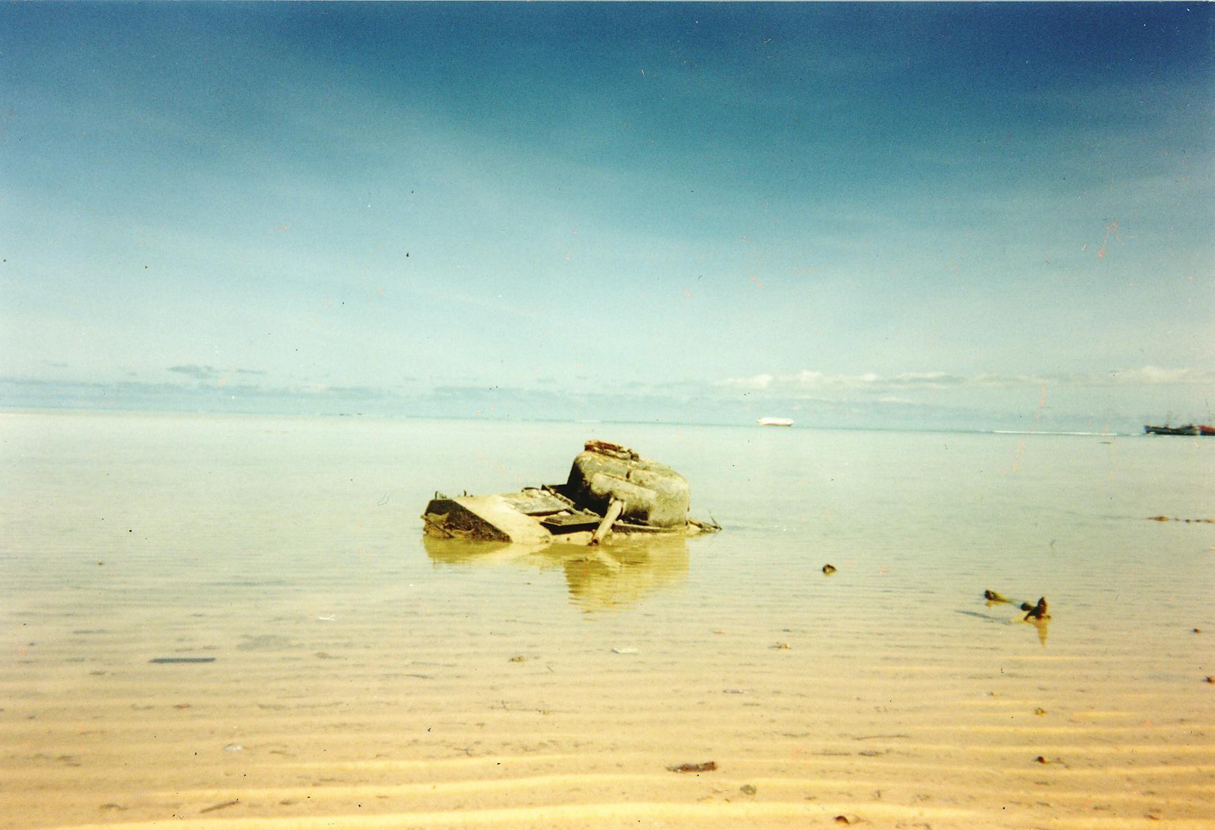 Battle_Tarawa_Tank (1)