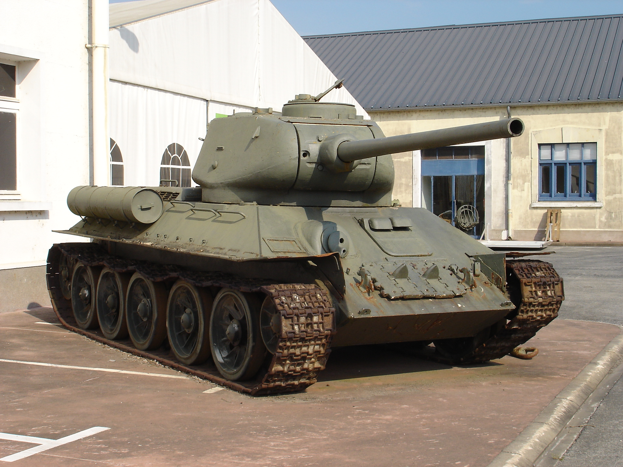 A rather beat up T-34-85