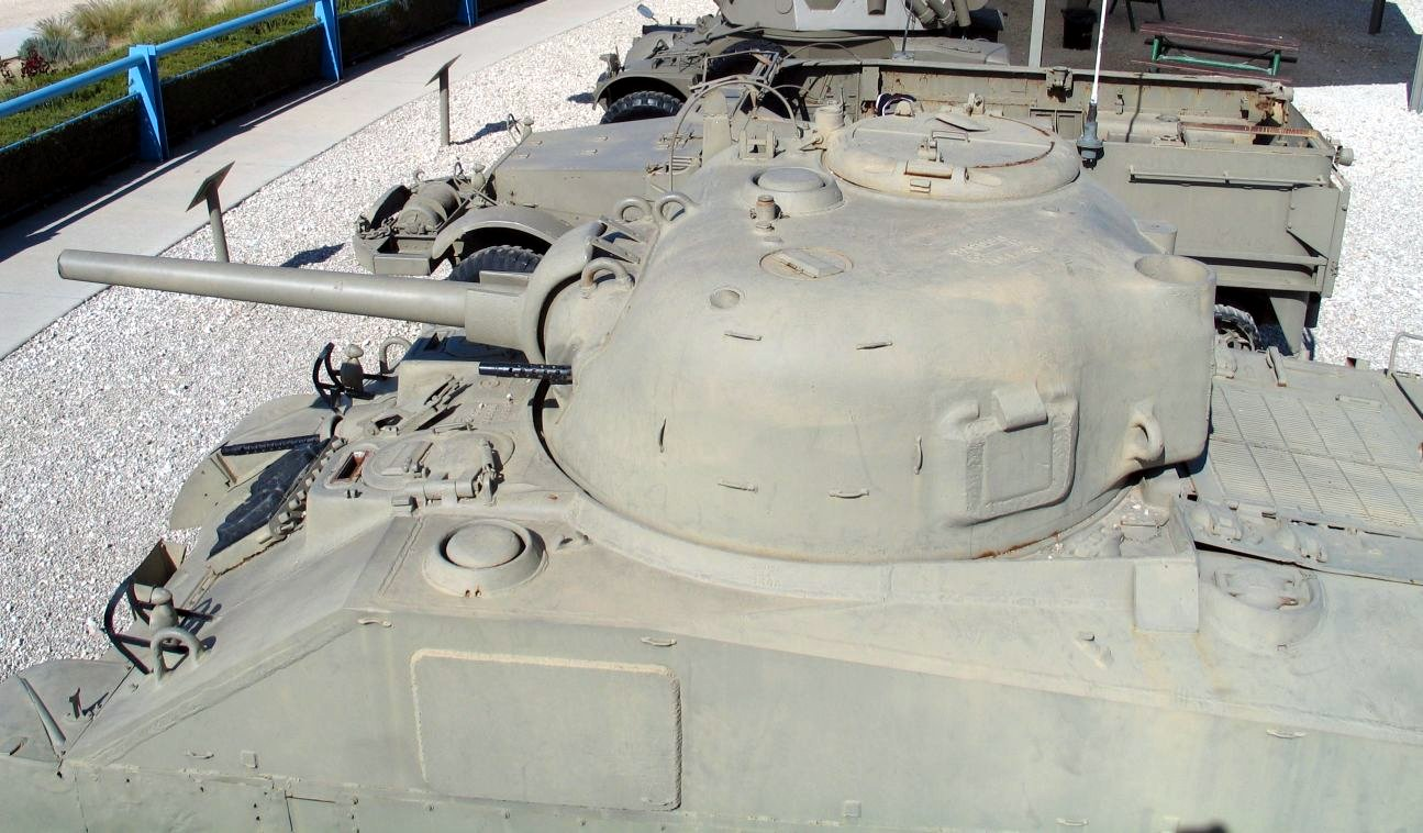 M4A4-Sherman-latrun-6