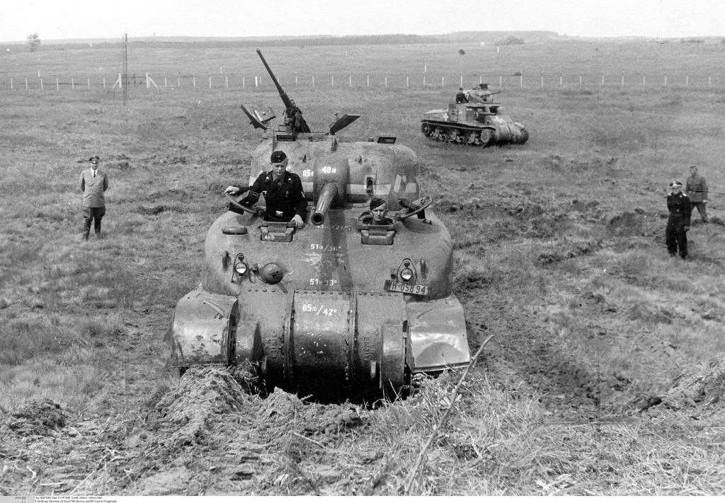 M4A1, and M3 Lee in Nazi hands