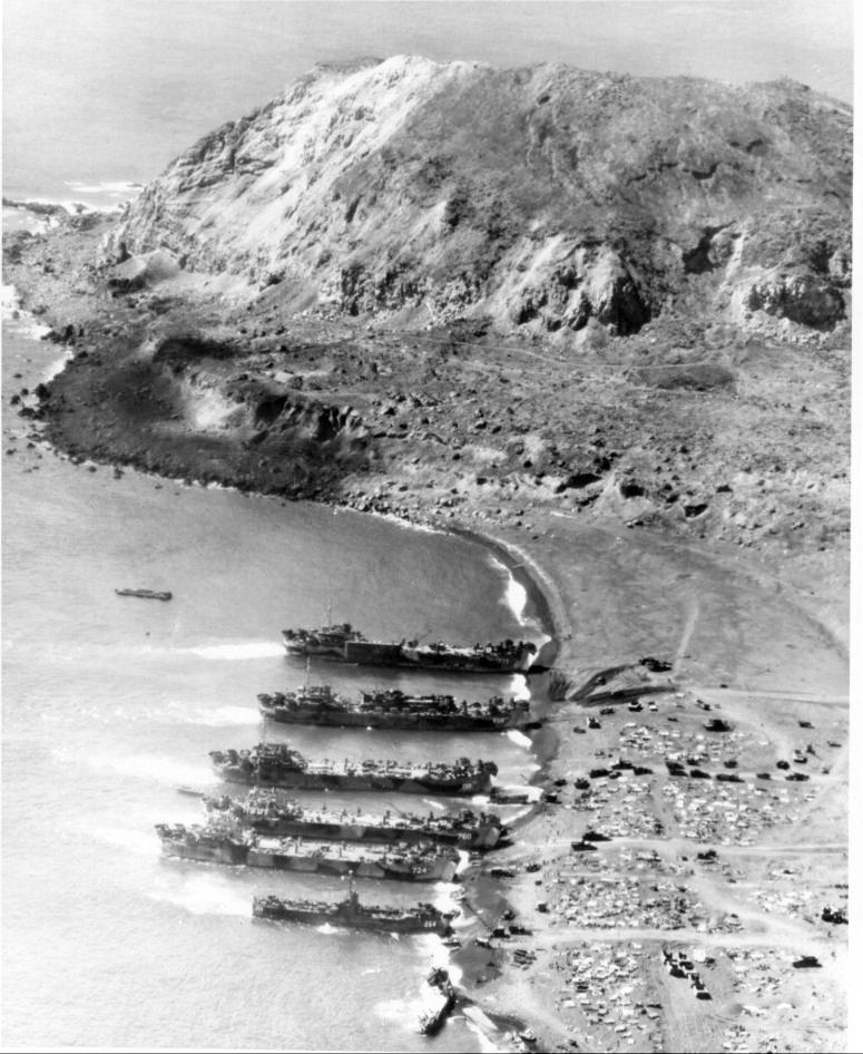 LSTs Iwo Jima