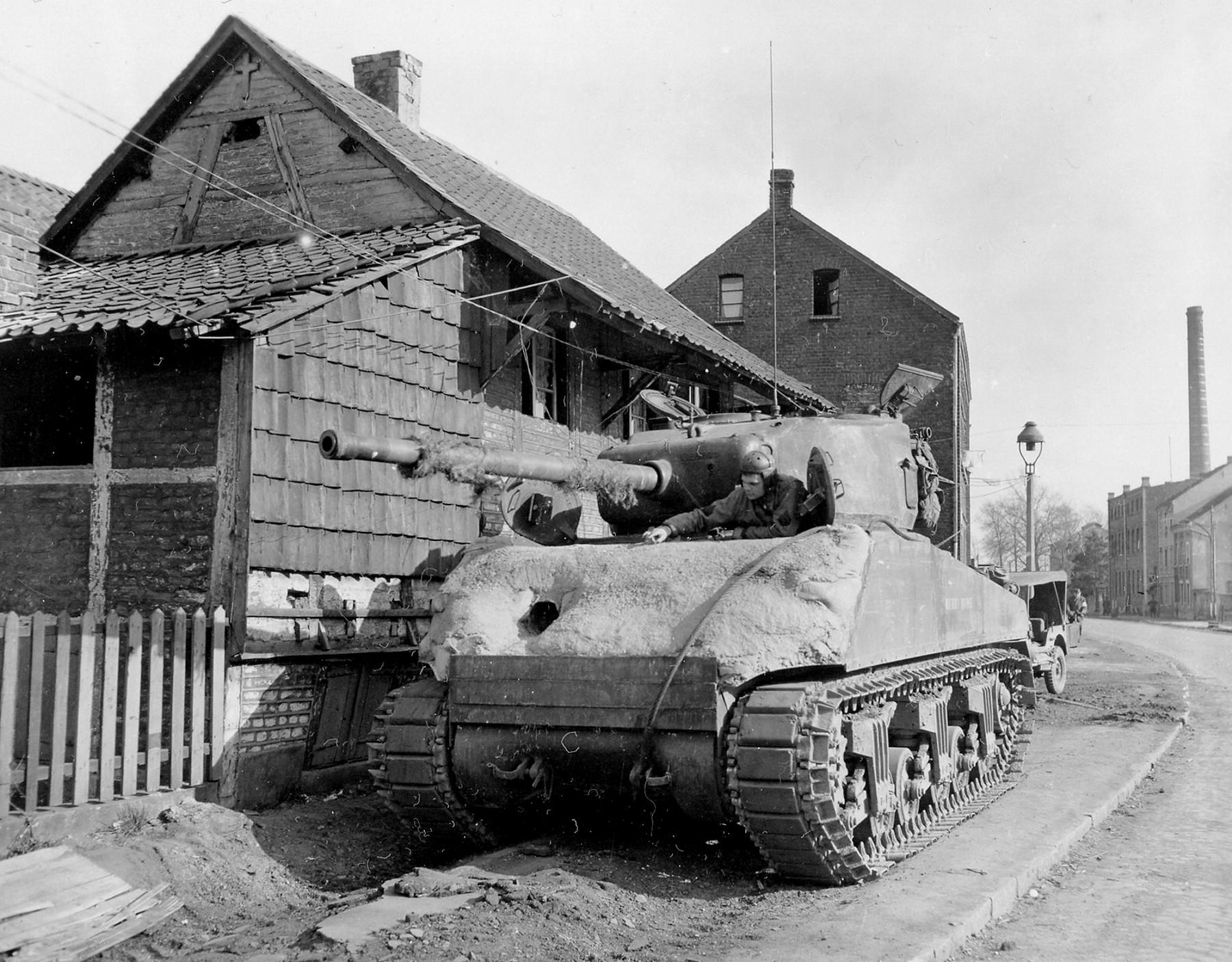 2AD_FDM4_1945