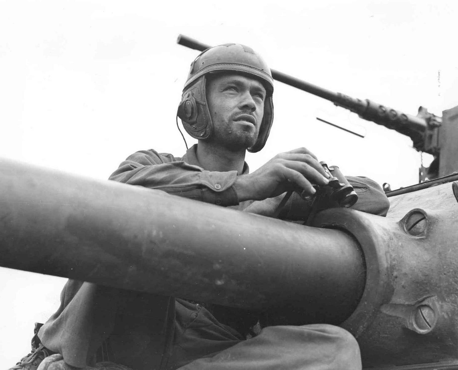 37TB 4AD tank gunner SEP 1944-X3