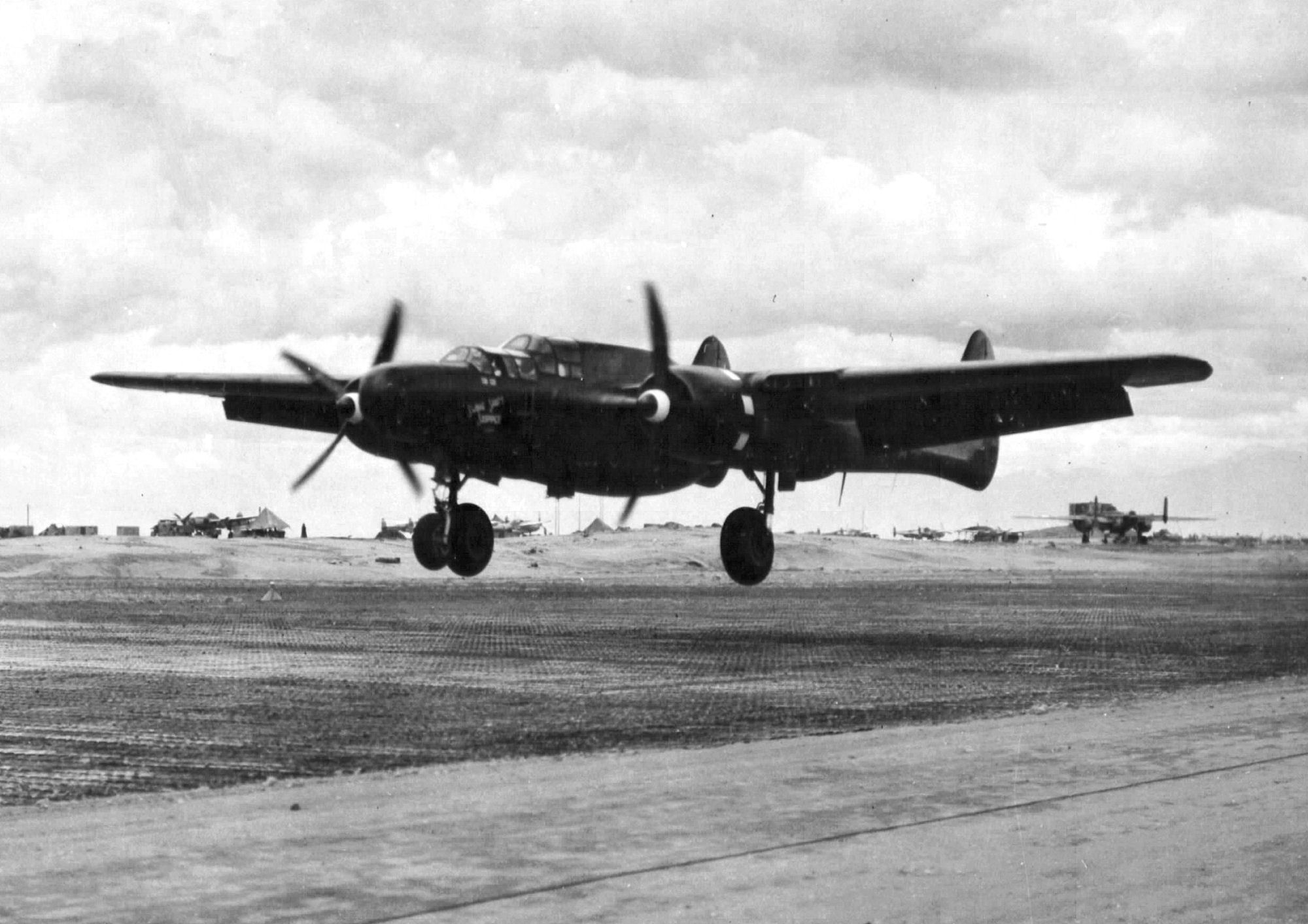 547th_Night_Fighter_Squadron_-_P-61_Black_Widow