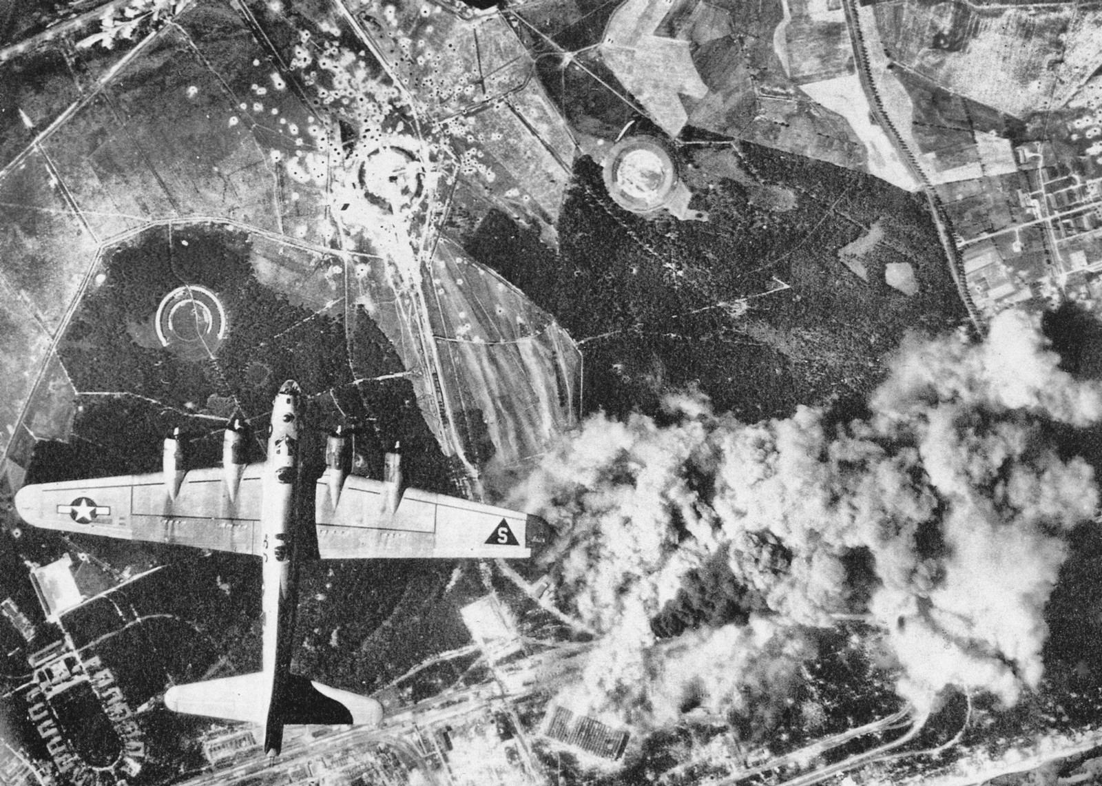 B17_Peenemunde_1944