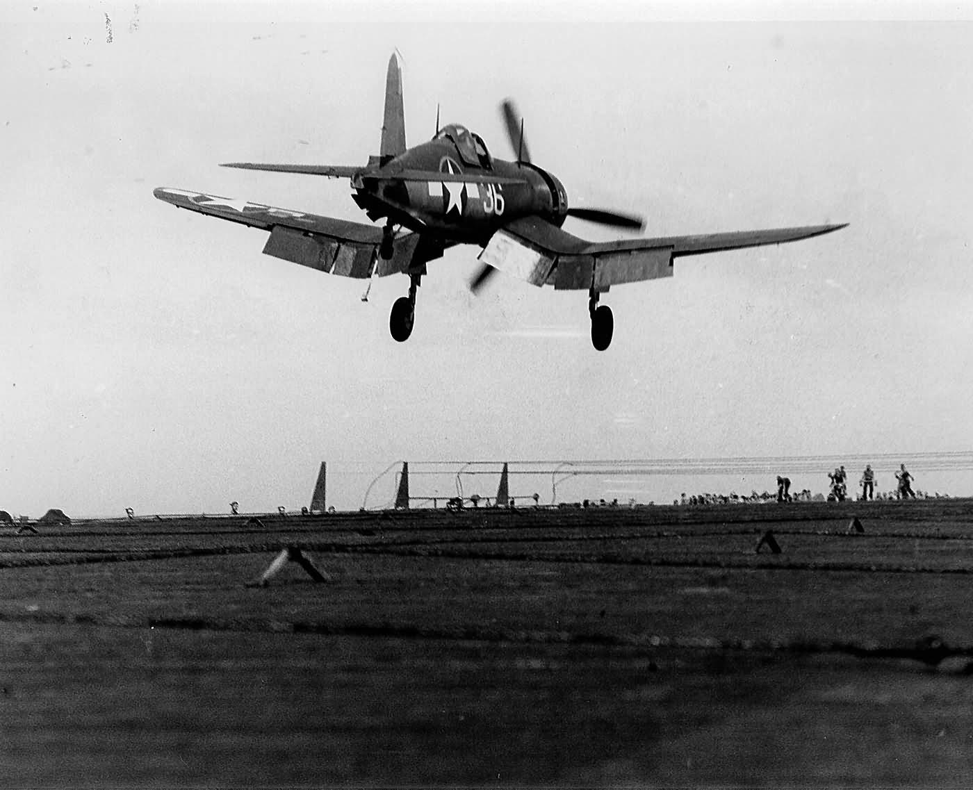 F4U-1A_Corsair_36_VF-17_USS_USS_Bunker_H