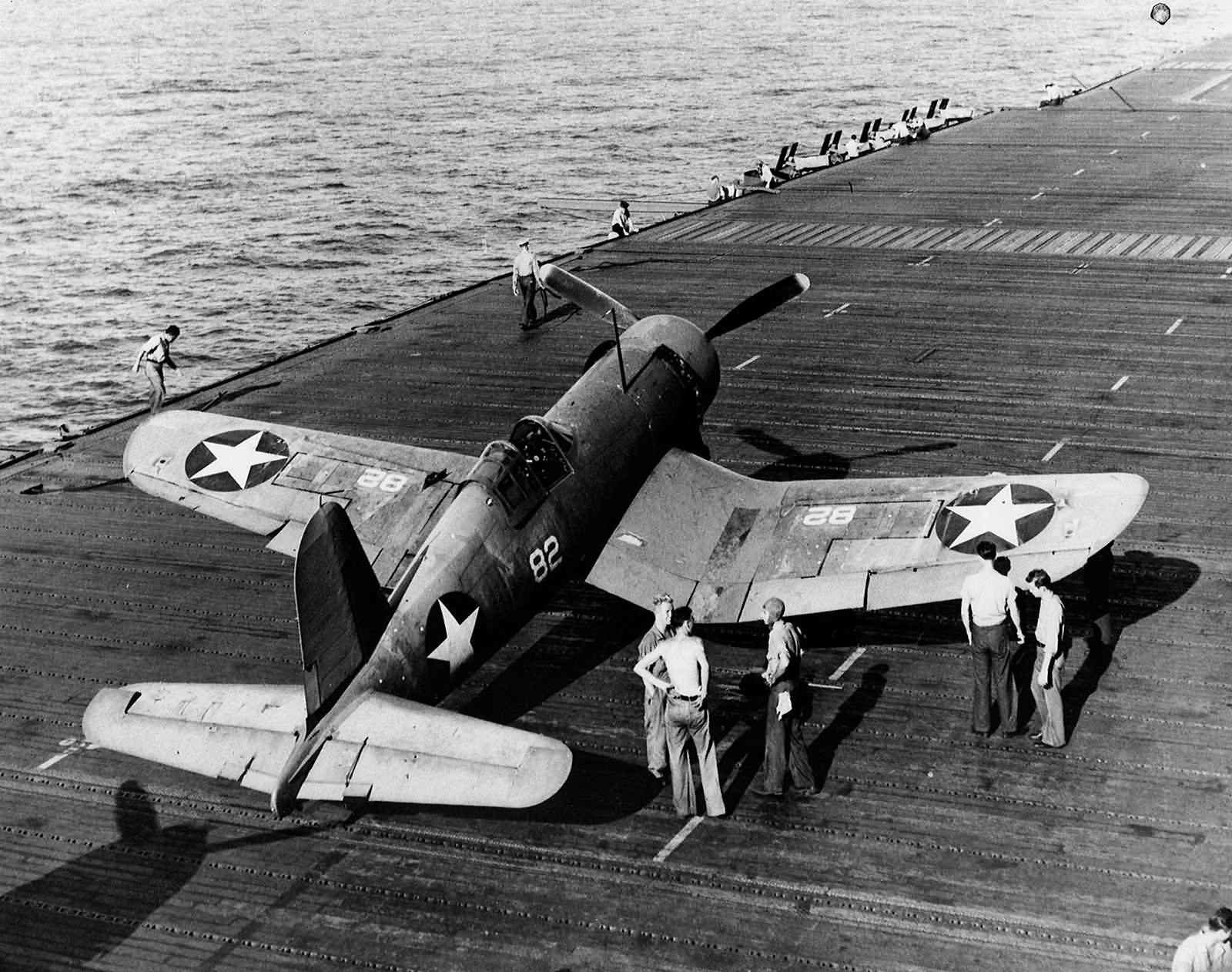 F4U-1_Corsair_82_of_VF-10_on_the_flight_