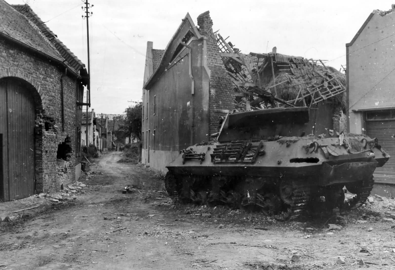 KO_M10_Wolverine_803rd_Tank_Destroyer_Battalion_Ubach_Germany_1944