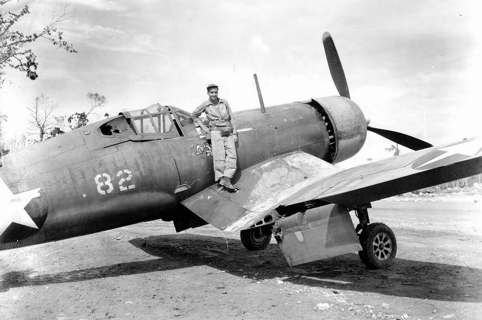 Lt_Huidekoper_VMF-213_F4U-1_Corsair_82-C