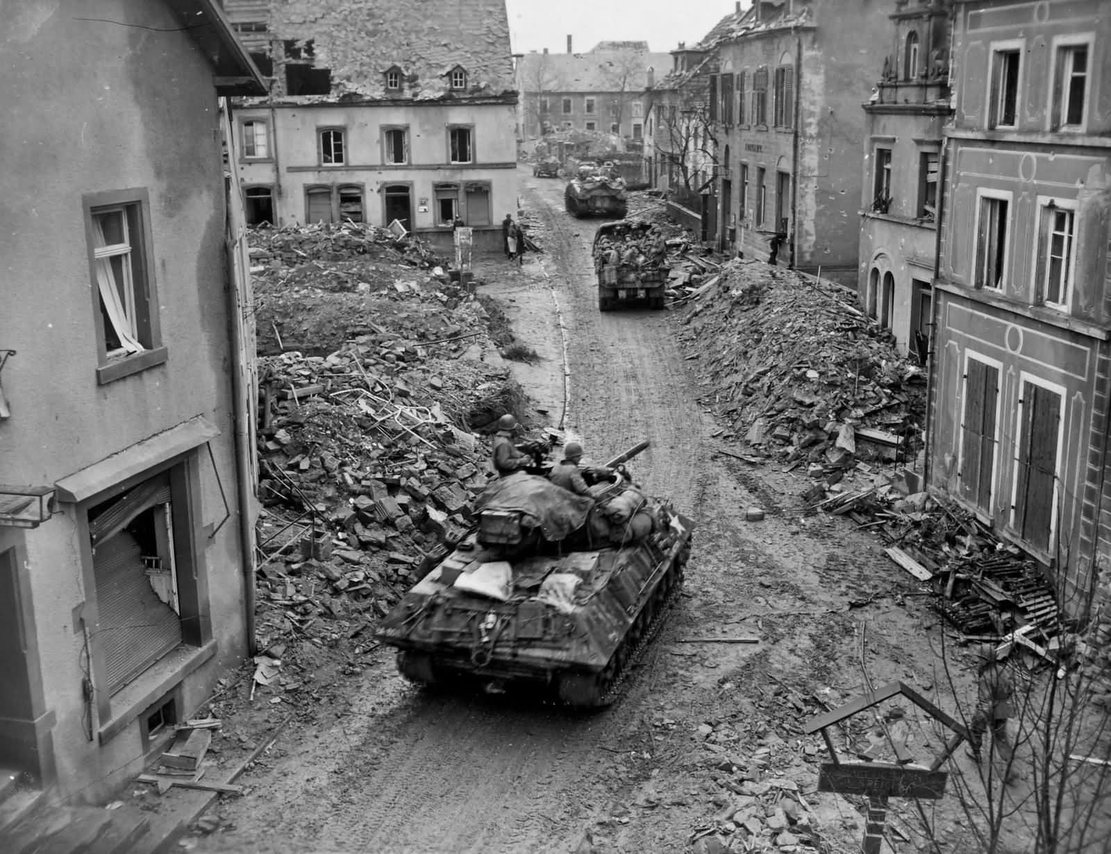 M10_M4_Jeep_And_2_12_Ton_Truck_76th_Infantry_Division_Speicher_1945