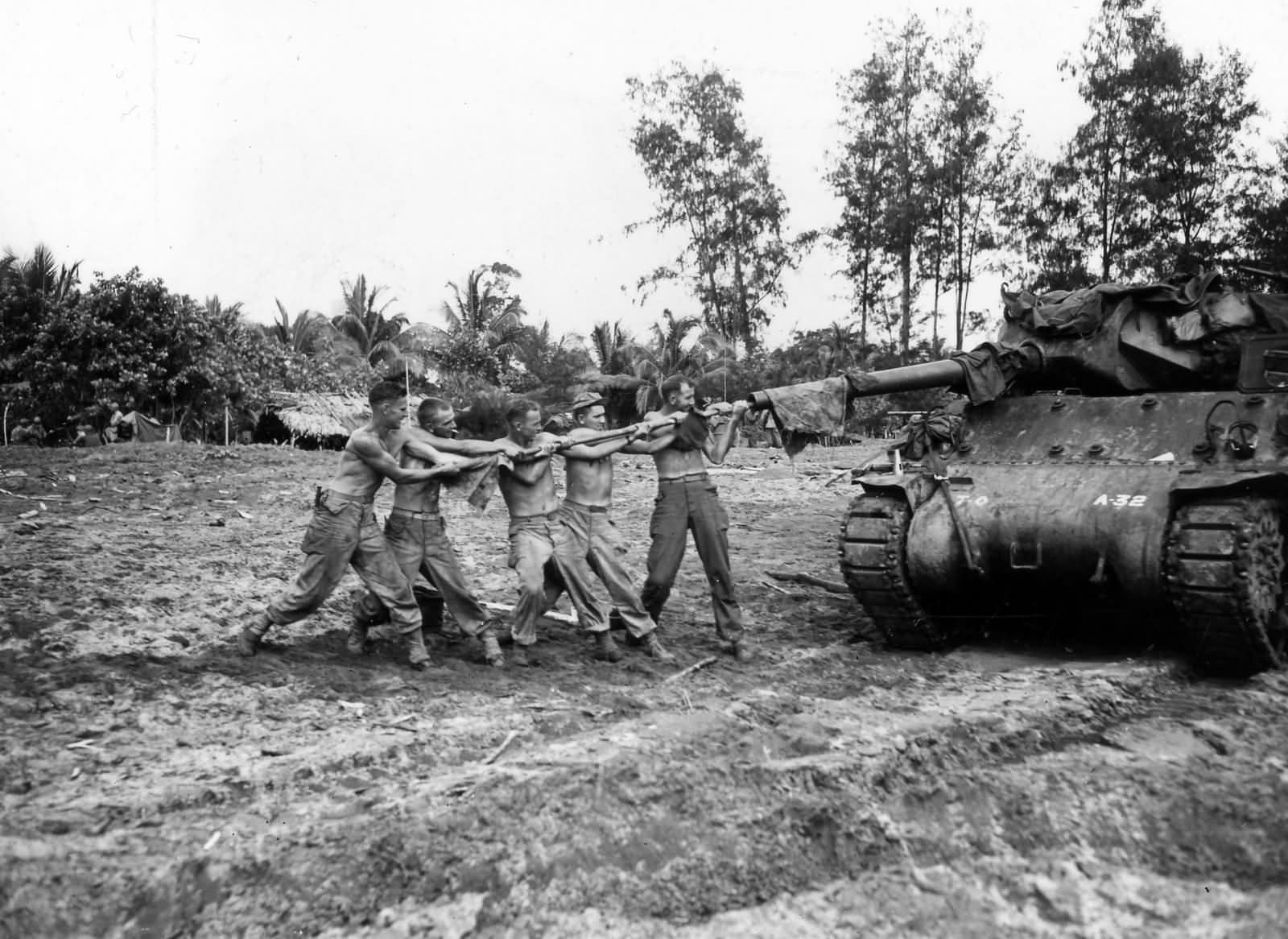 M10_32nd_Infantry_Division_632nd_Tank_Destroyer_Battalion_At_Aitape