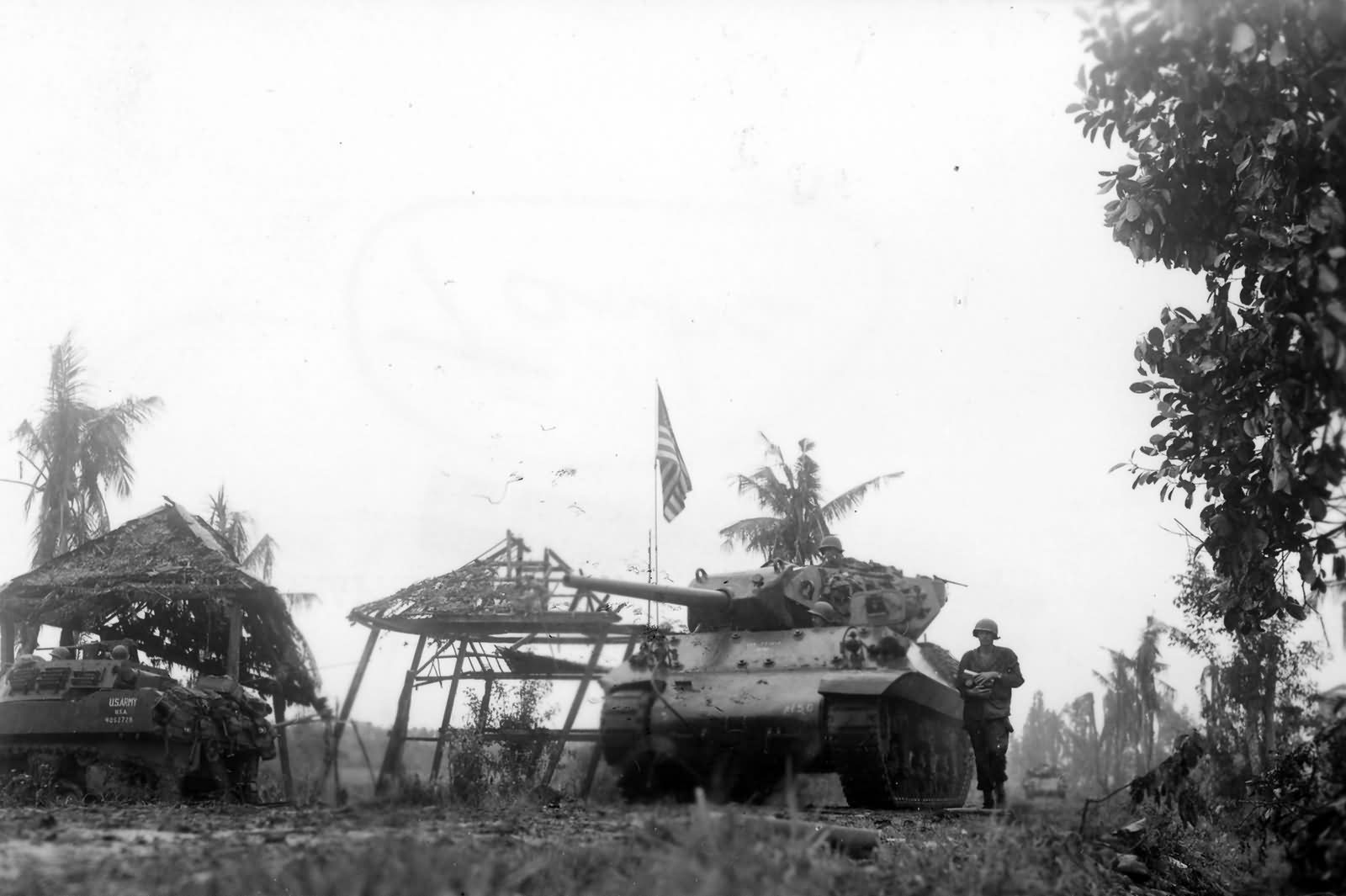 M10_Wolverine_And_M4_Sherman_77th_Infantry_Division_Leyte_Island_1944