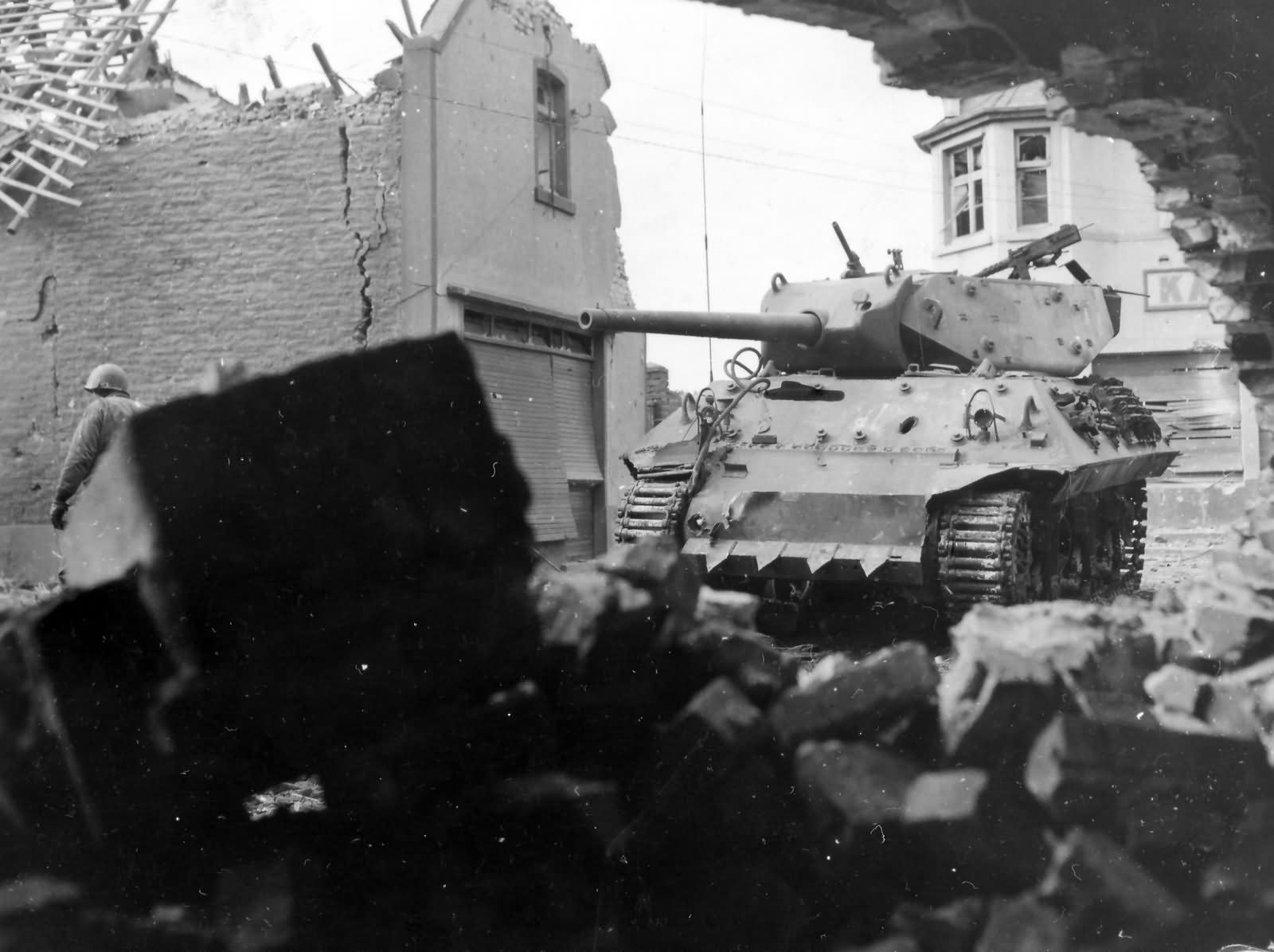 M10_Wolverine_With_Hedge_Cutter_803rd_Tank_Destroyer_Battalion_Ubach_Germany_1944
