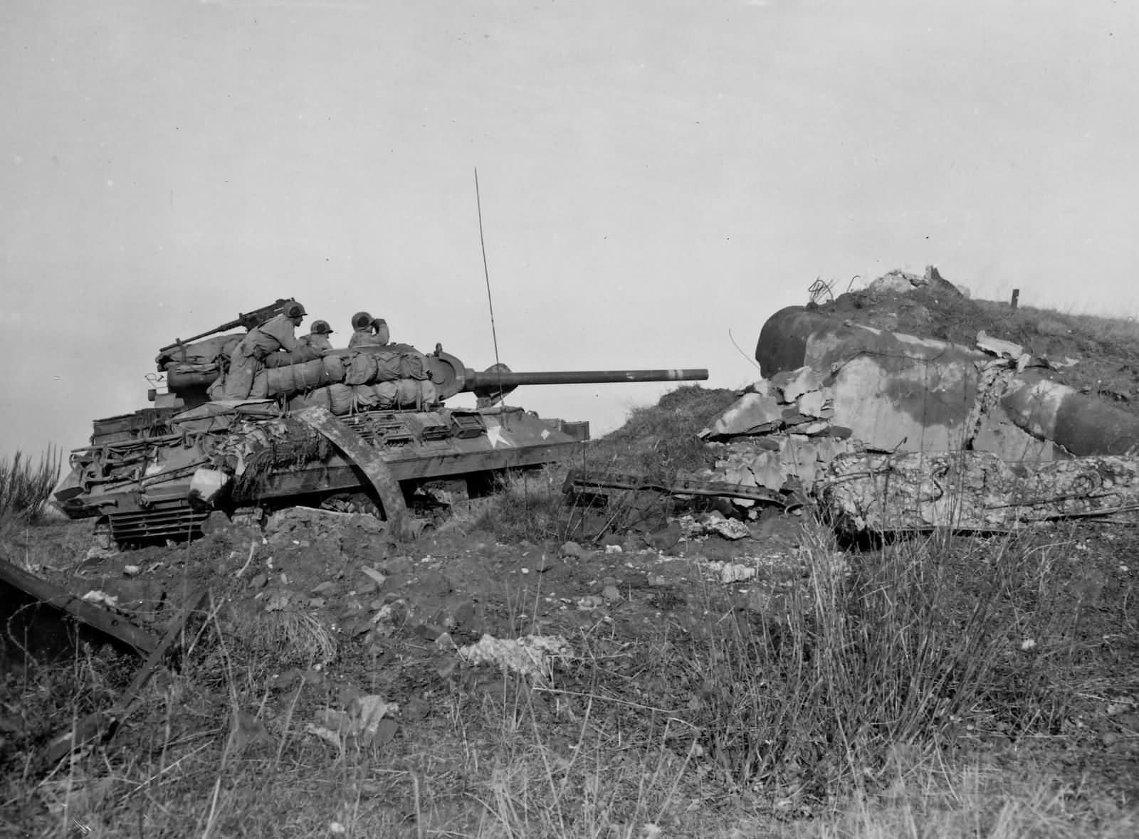 M36_Jackson_and_Maginot_Line_Pillbox_776th_Tank_Destroyer_Bn_Hottviller_France_1944