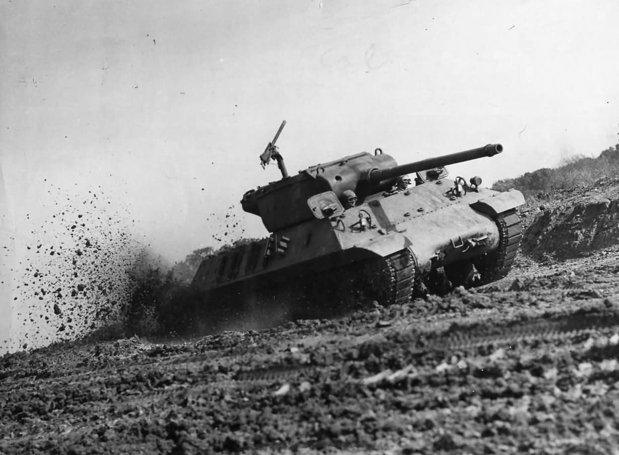 M36_Slugger_Tank_Destroyer_Tested_at_Aberdeen_1945