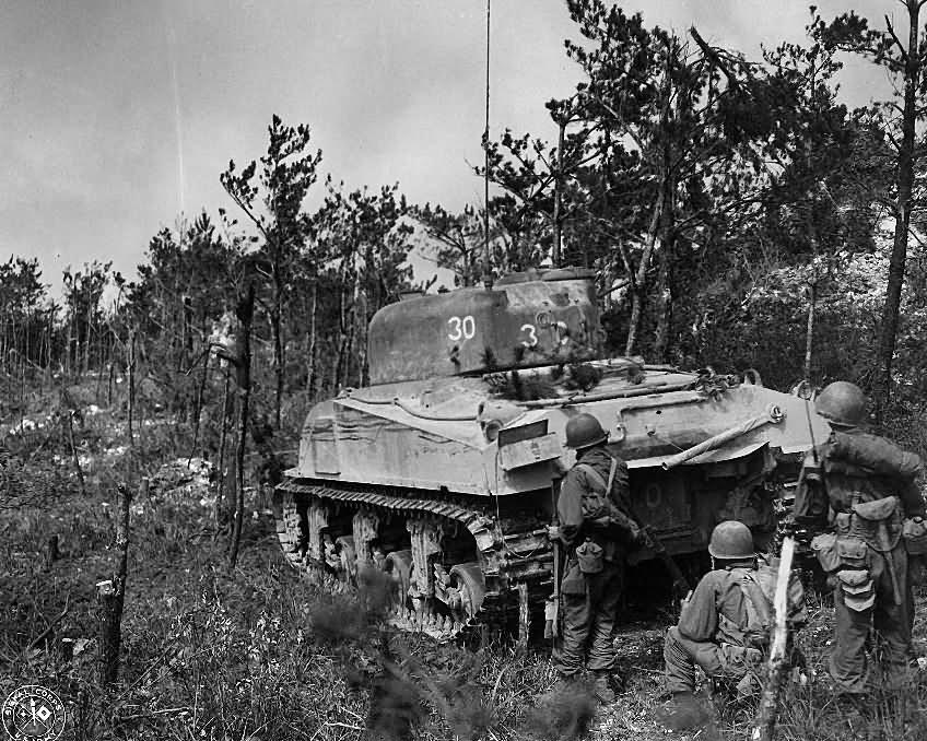 M4_Sherman_Tank_30_96th_Division_Big_Apple_Ridge_Battle_1945_Okinawa