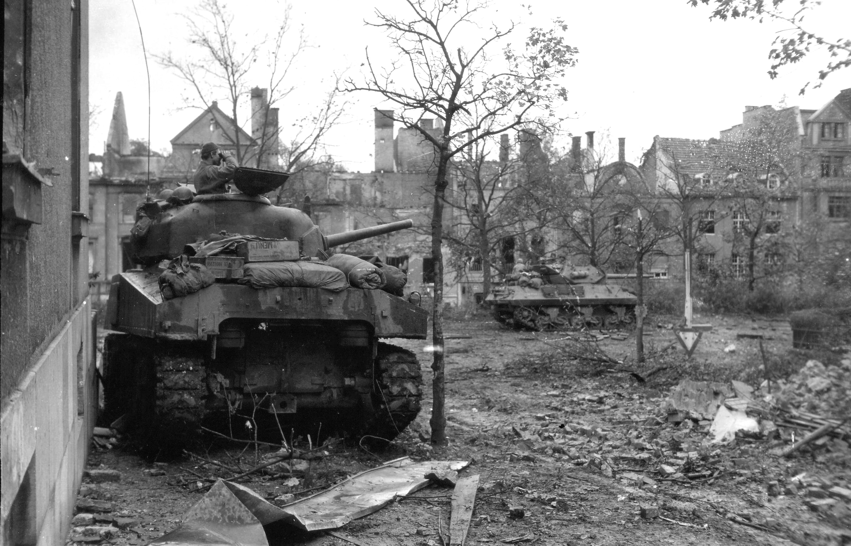 M4_Sherman_in_Aachen_1945