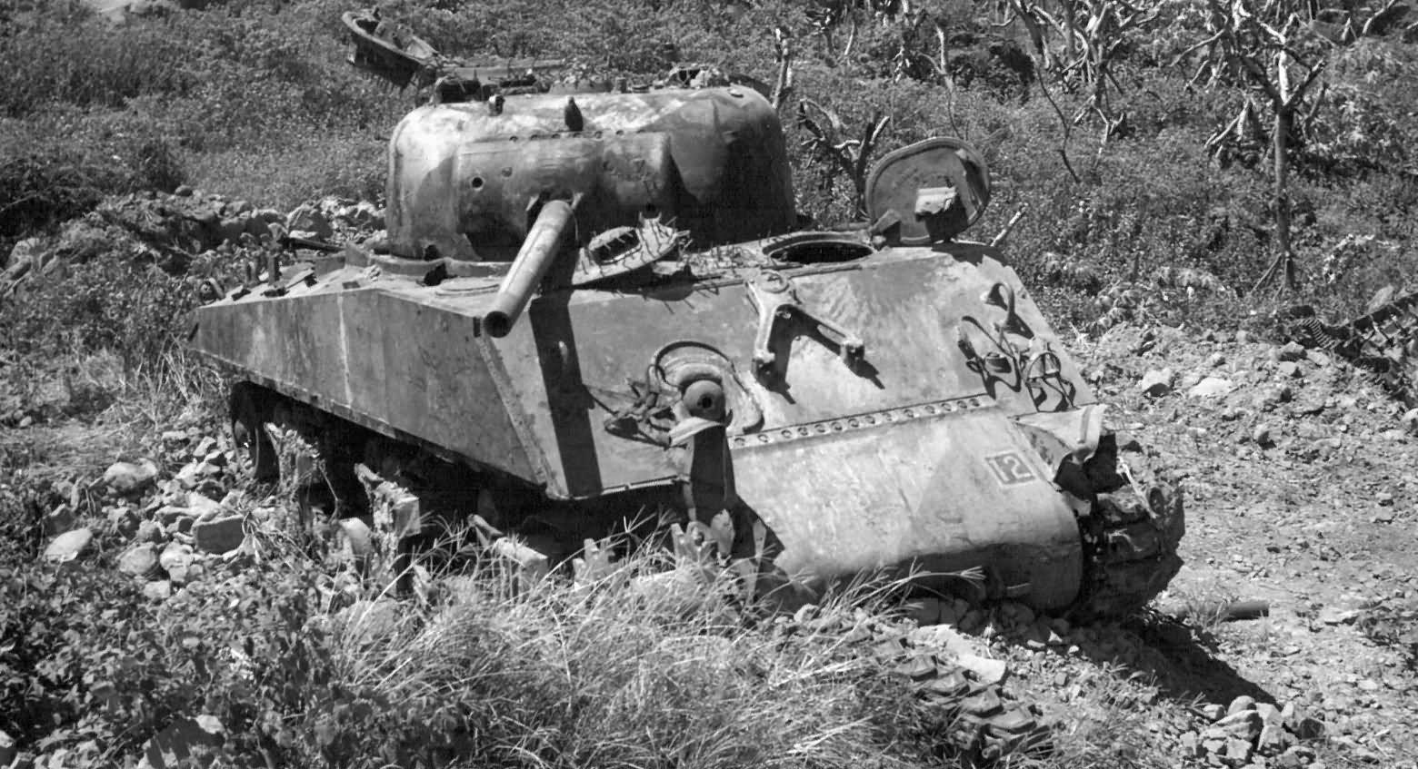 M4_sherman_Iwo_Jima_1945
