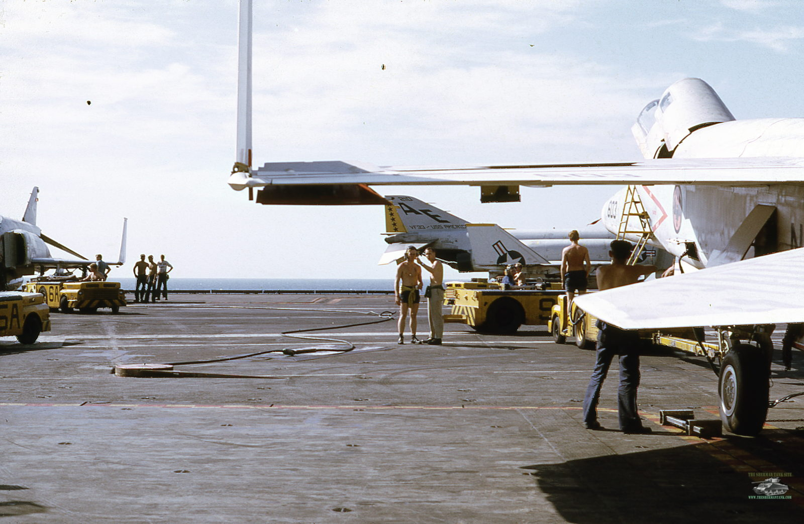 Old-Navy-PicsII108-flight-deck-life-USS-