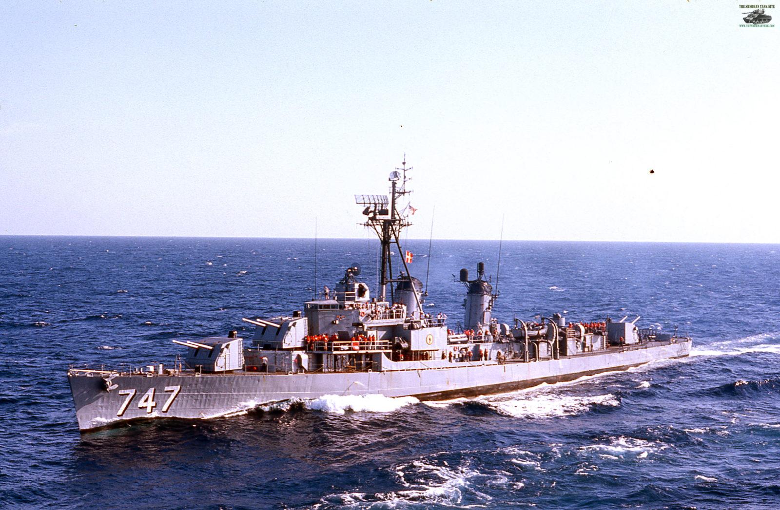 Old-Navy-PicsII165-USS-SAMUEL-N.-MOORE-D