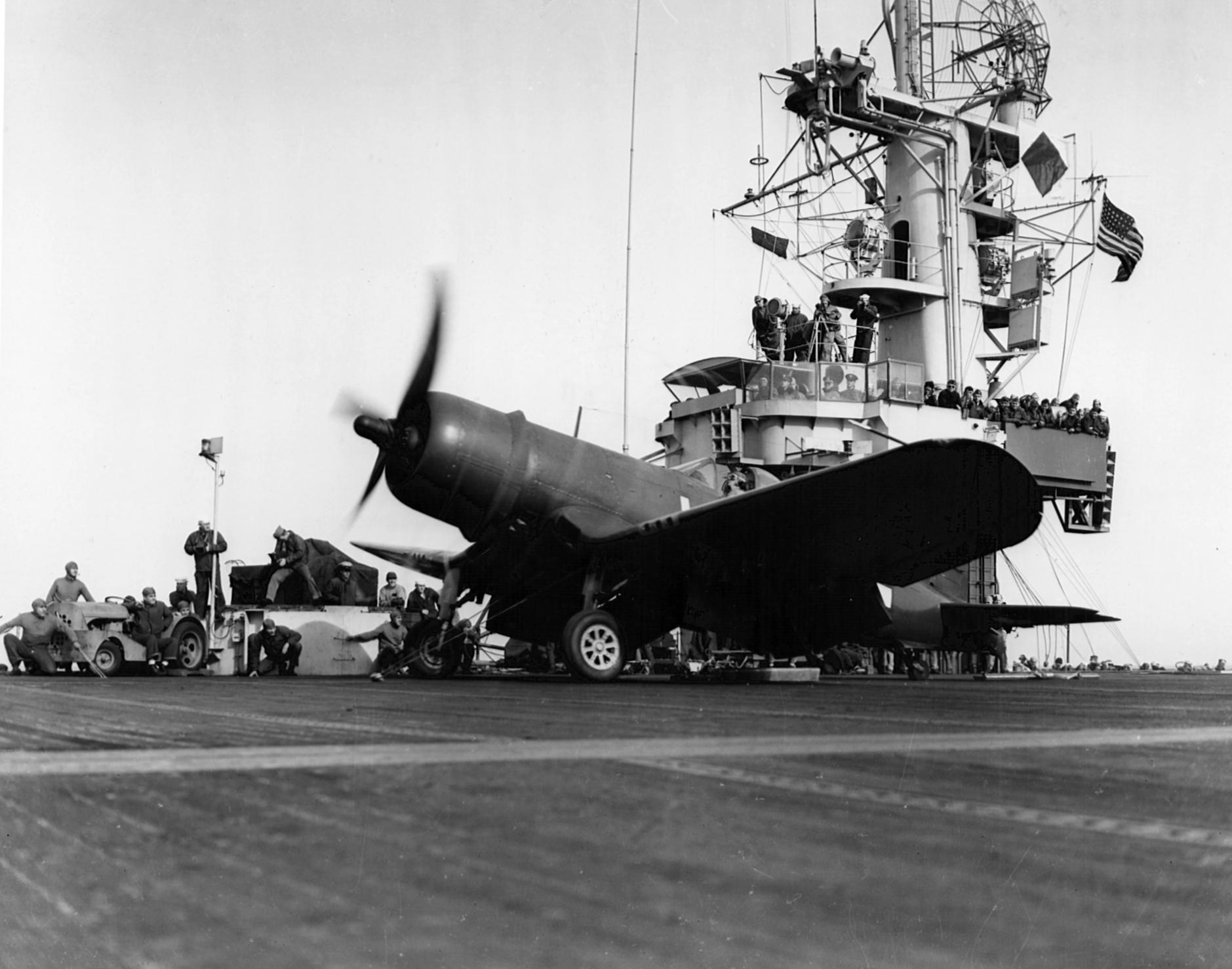 corsair-USS-Block-Ailand-1945