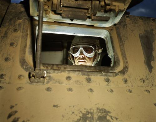 this is a nice color photo looking into a m3 lee the tank looks very dirty and the photo was taken in the us while the tank was being used for training